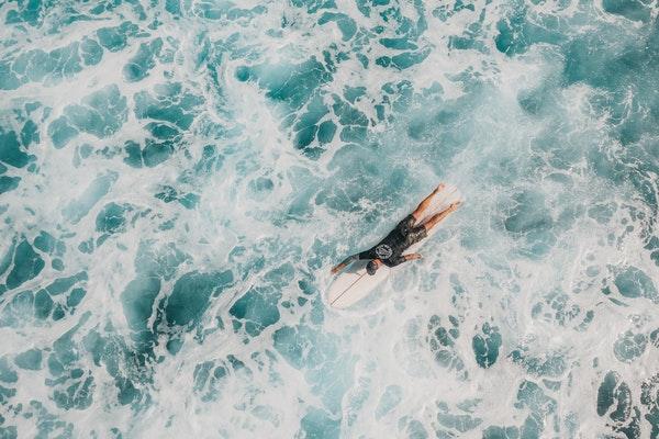 surfing water